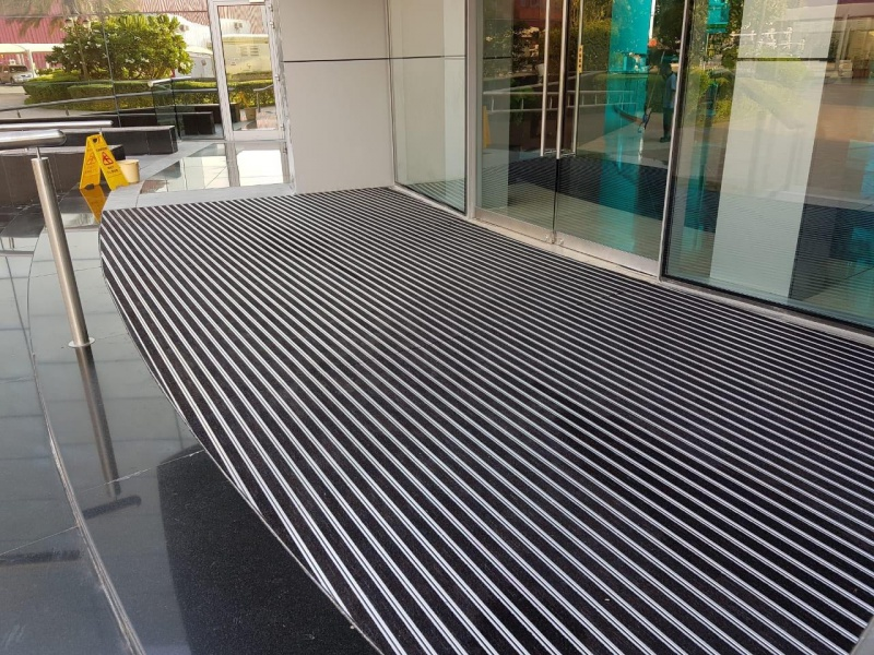 Global Village  - aluminum entrance mats